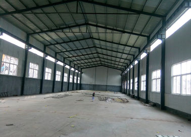 Lightweight Prefabricated Steel Warehouse With Overhead Crane